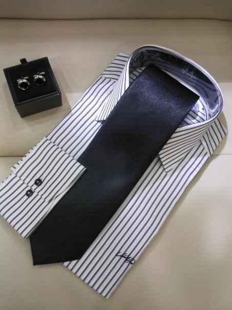 gomlek-kol-dugmesi-siyah-kravat